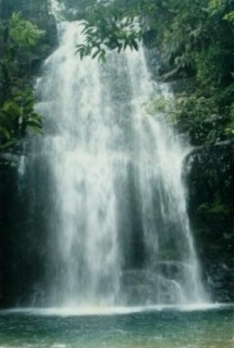 流动地表水上游-飞水潭瀑布